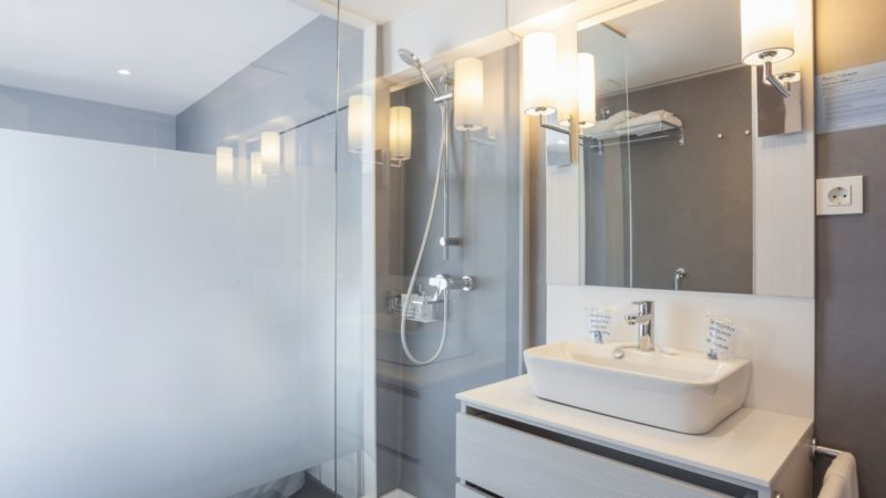 Hotel El Puerto | Habitaciones - Baño | By Pierre & Vacances
