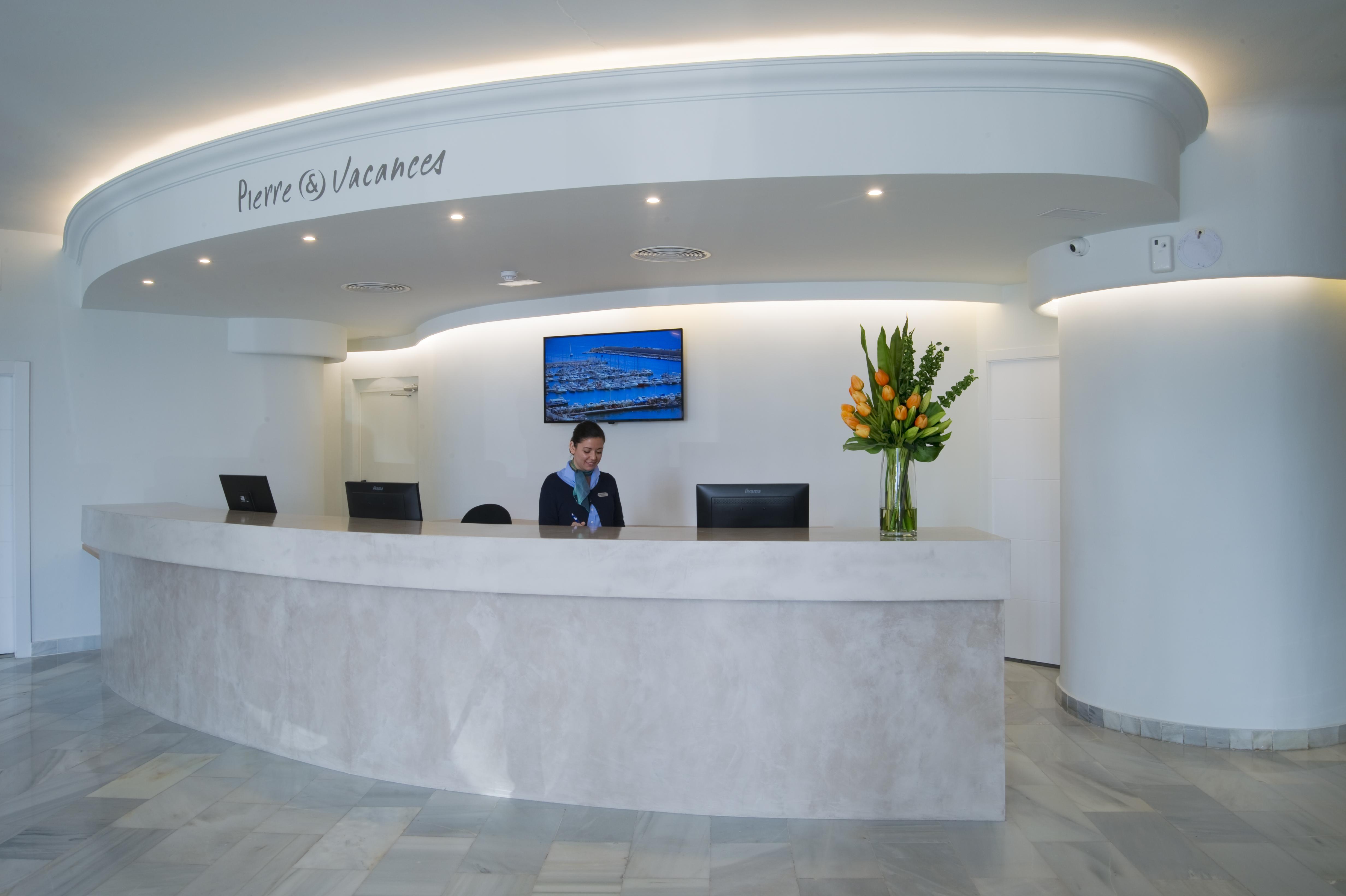 Hotel El Puerto | Recepción | By Pierre & Vacances