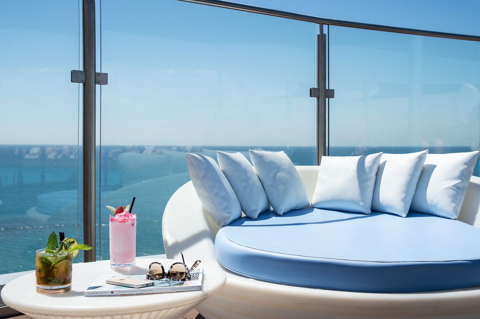 Hotel El Puerto   Sky Bar Azotea   By Pierre & Vacances